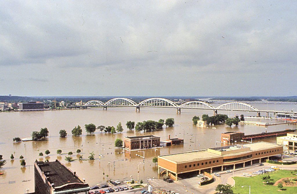 Above: Downtown Davenport, Iowa, on July 2, 1993. (Photo courtesy of Rock Island Engineer District)