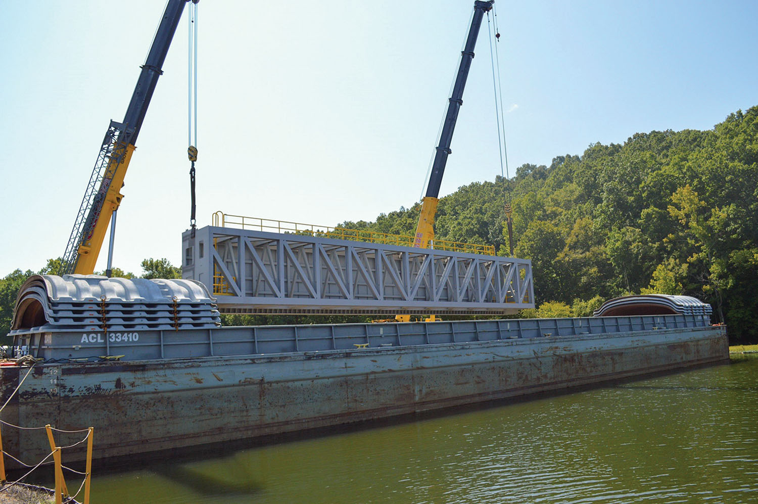 G&G Steel, a fabrication firm based in Russellville, Ala., built five of Olmsted's tainter gates. The company has recently shipped its third lift gate (shown here) to Montgomery Locks and Dam near Pittsburgh. (—photo courtesy of G&G Steel)