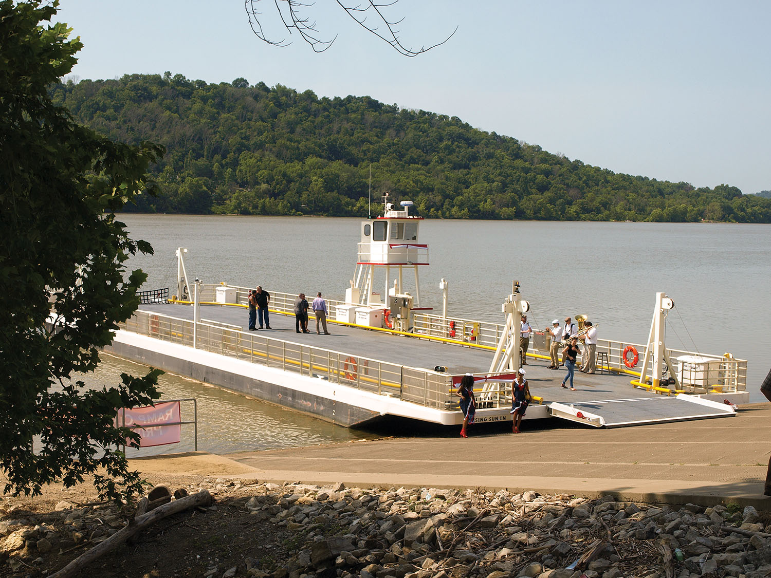 New ferry connects Rising Sun, Ind., with Rabbit Hash, Ky. (Jim Ross photo)