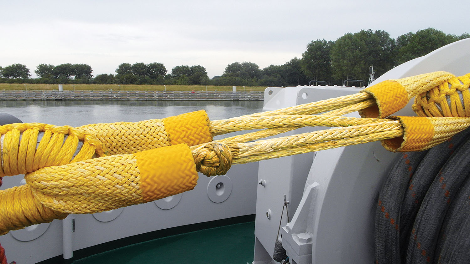 The Lankonect, a synthetic-fiber rope connection for the main tow line. (Photo courtesy of Lankhorst Ropes)