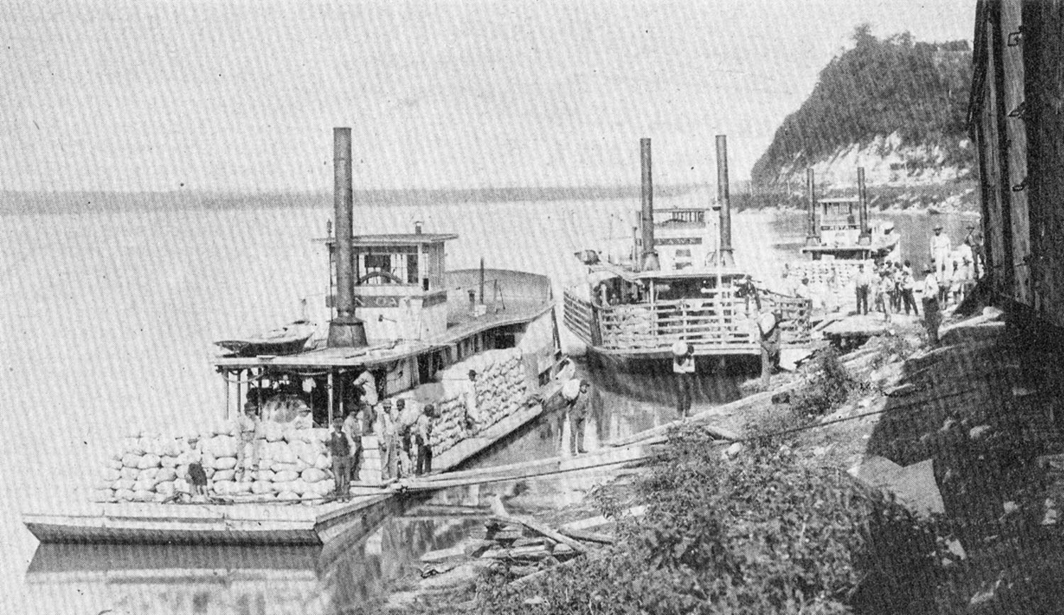 Petite paddlewheelers moored at Hermann, Mo., in 1890. (Keith Norrington collection)