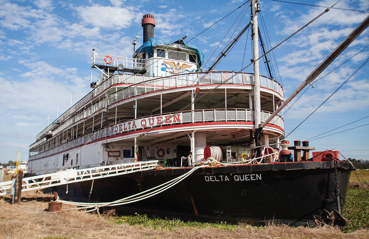 The steamer Delta Queen has been moored in Houma, La., since 2015, awaiting renewal of its exemption. (WJ file photo by Frank McCormack)