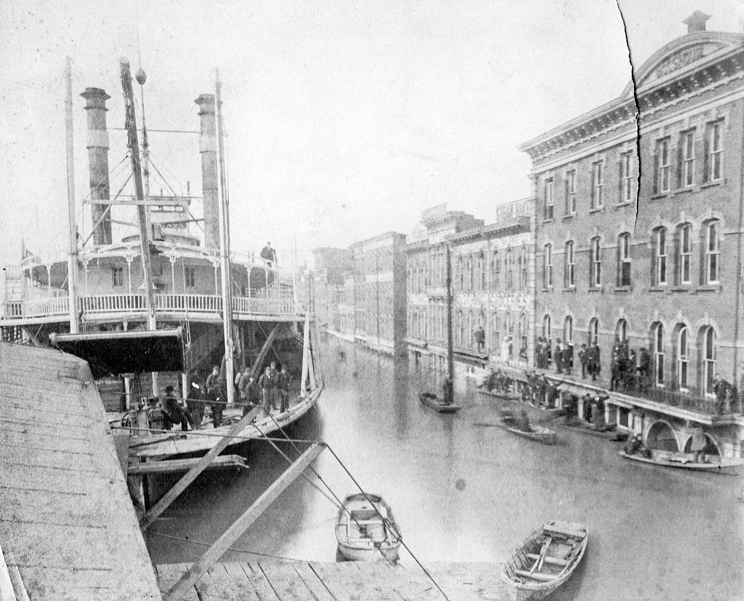 The steamer Bonanza at the Portsmouth Ohio waterfront during the 1884 flood. (Keith Norrington collection)
