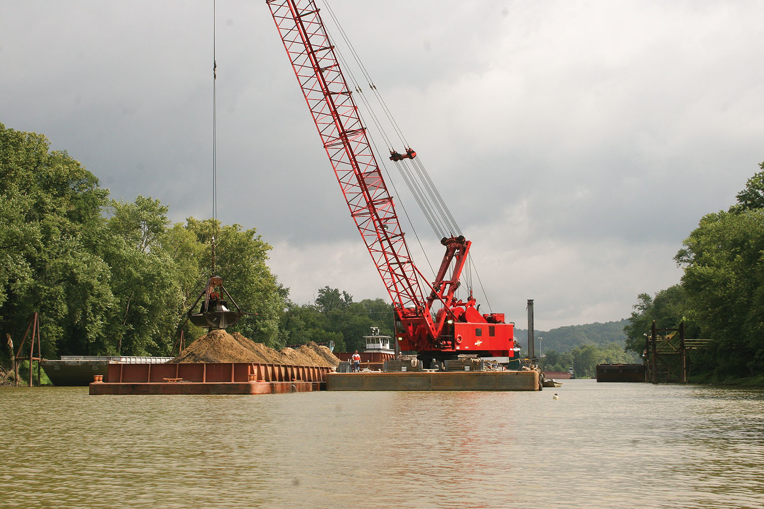 An Amherst Madison dredge working on the Big Sandy River.