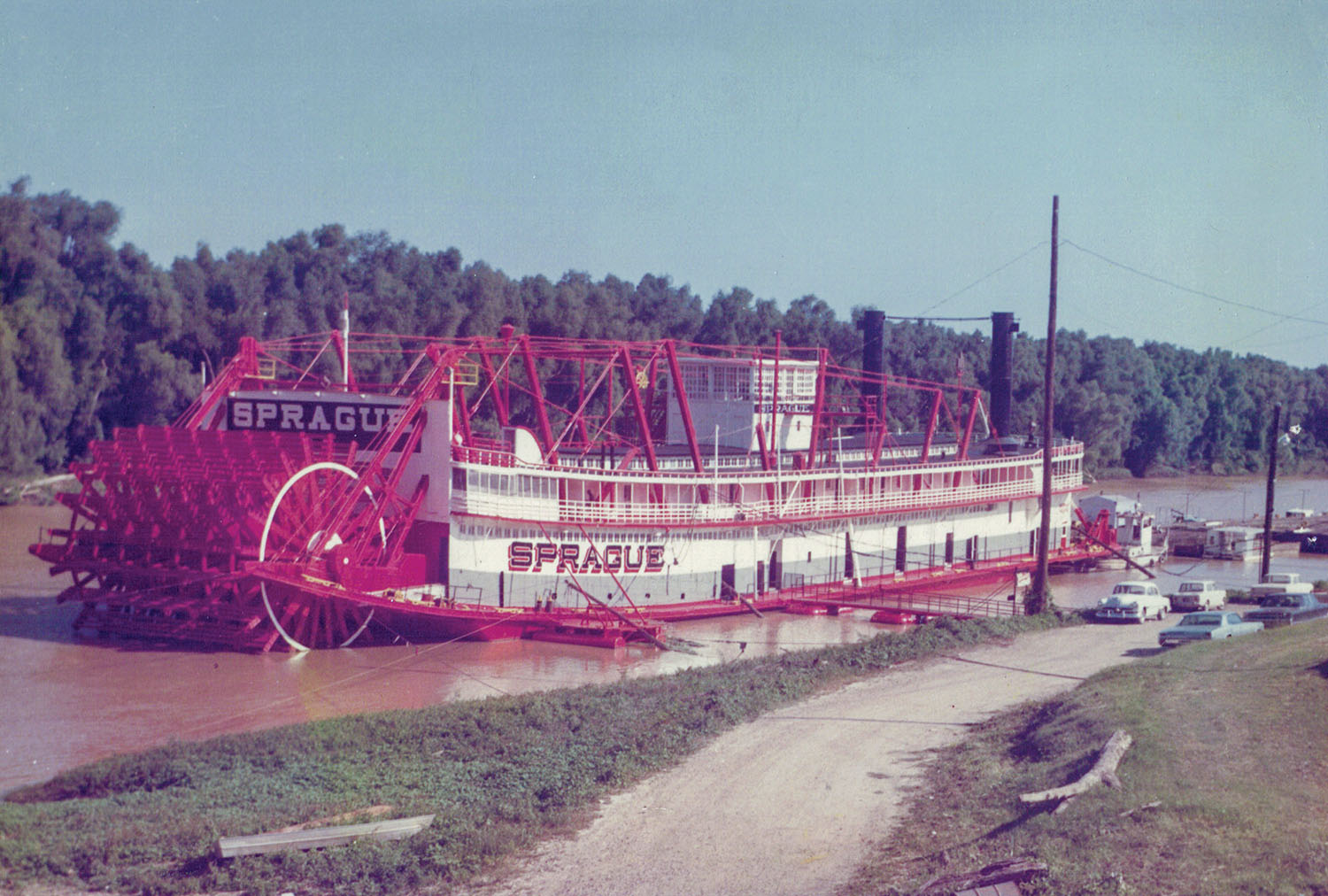 The famed towboat Sprague at the Vicksburg, Miss., waterfront in June 1969. (Keith Norrington collection)
