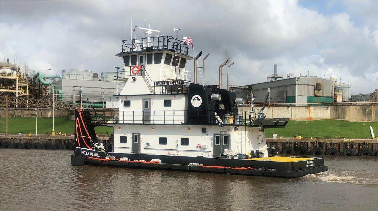 Devall Towing Puts New Boat, Barges Into Service