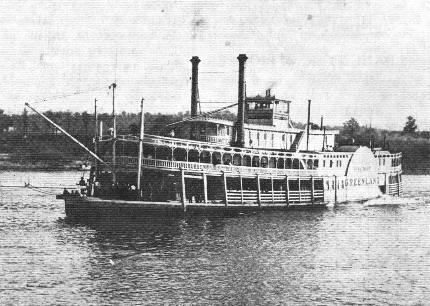 Caption for photo: The Greenland underway on the Ohio River at Burkes Point. (Keith Norrington collection)