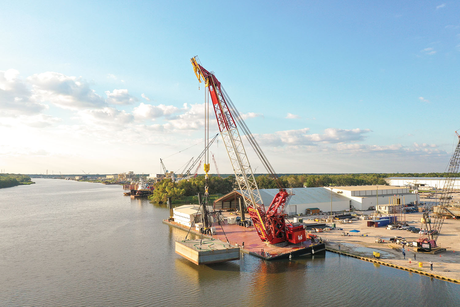 The new crane Quad Cities was designed and built by Seatrax, while the barge platform was built by Conrad Shipyards. (Photo courtesy of Seatrax Inc.)