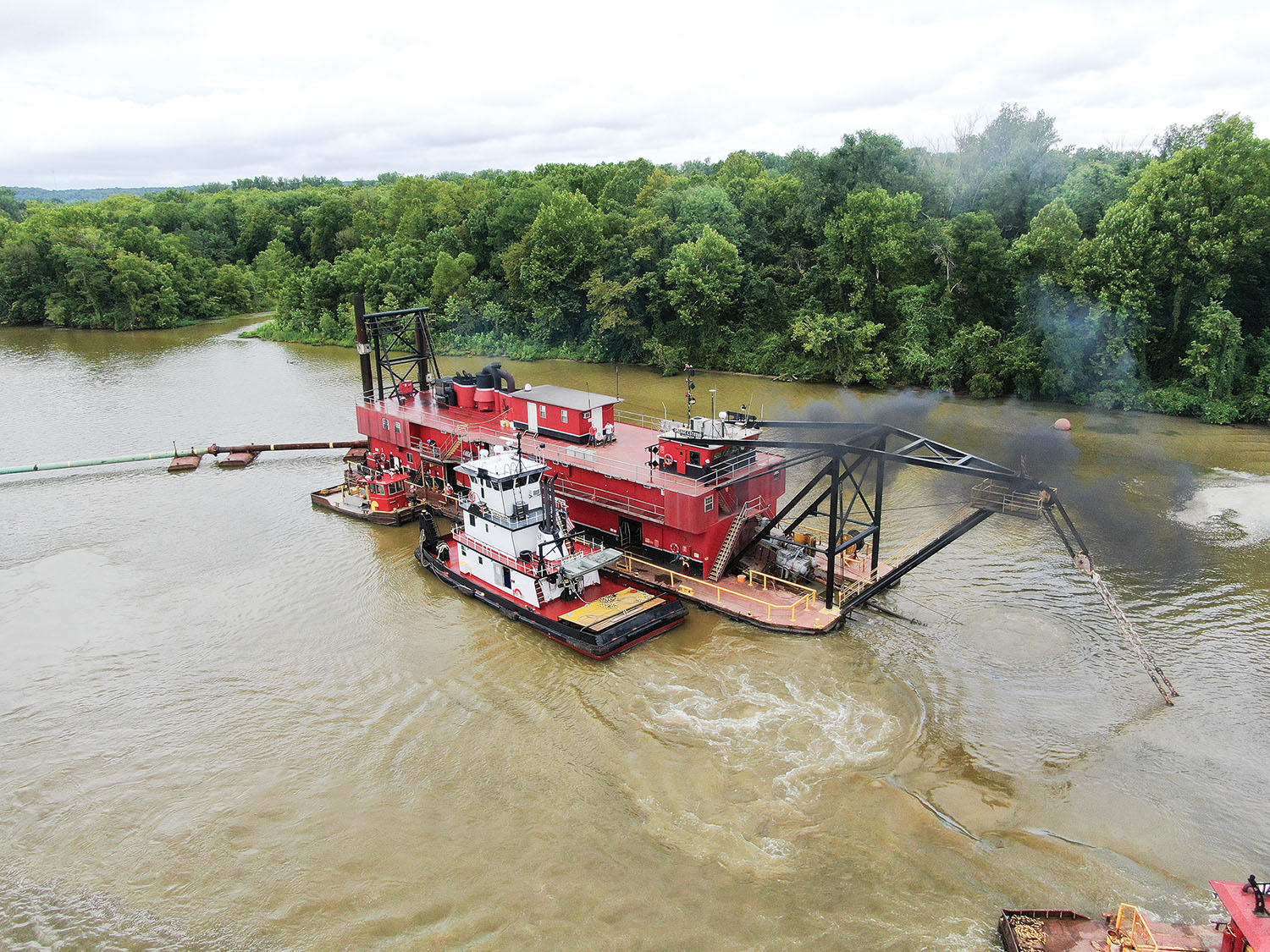 Mike Hooks Completes Post-Flood Dredging On Tenn-Tom