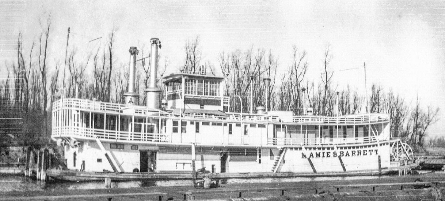The Mamie S. Barrett in winter quarters at Alton Slough in 1934. (Photo by Ruth Ferris; Keith Norrington collection)