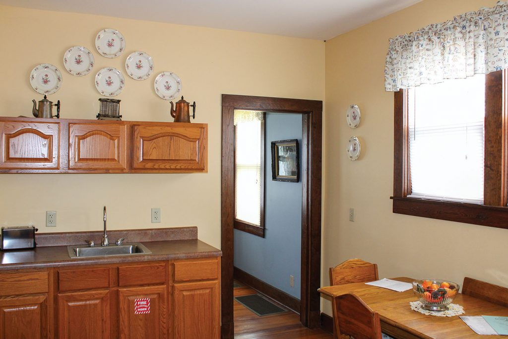 Each of the four lockmaster houses is decorated in early 20th century antiques. (Photo by Shelley Byrne)