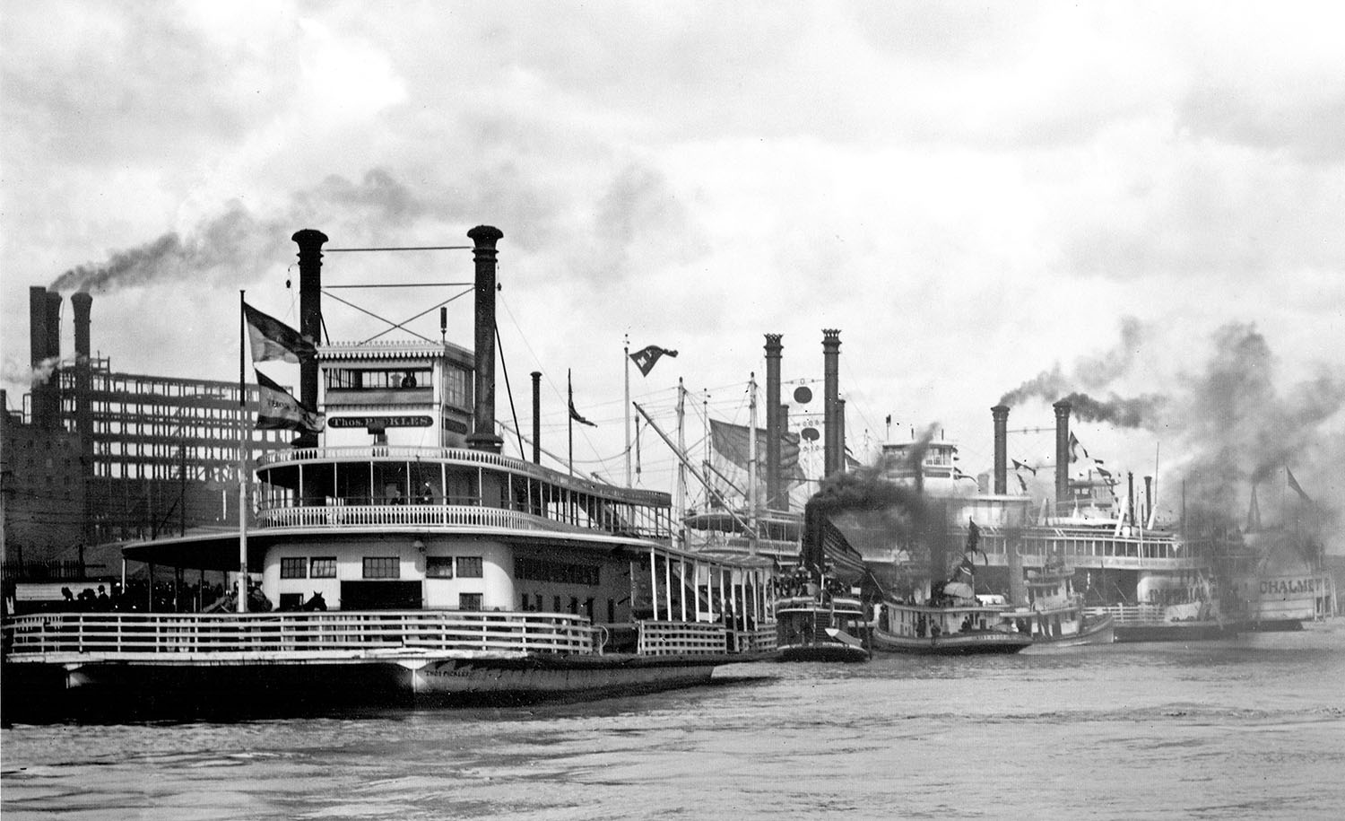 The ferry Thomas Pickles at its New Orleans landing. (Keith Norrington collection)