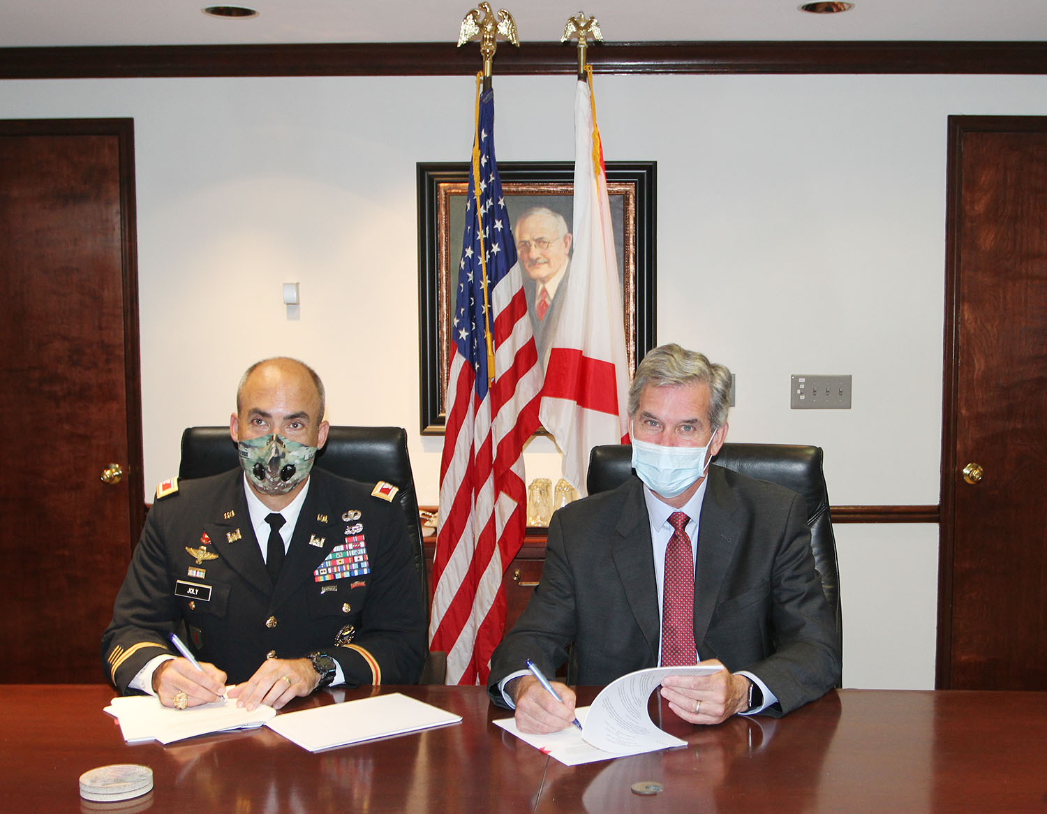 Col. Sebastien Joly and John Driscoll sign project agreement to deepen the Port of Mobile to 50 feet. (Photo courtesy of Alabama State Port Authority)