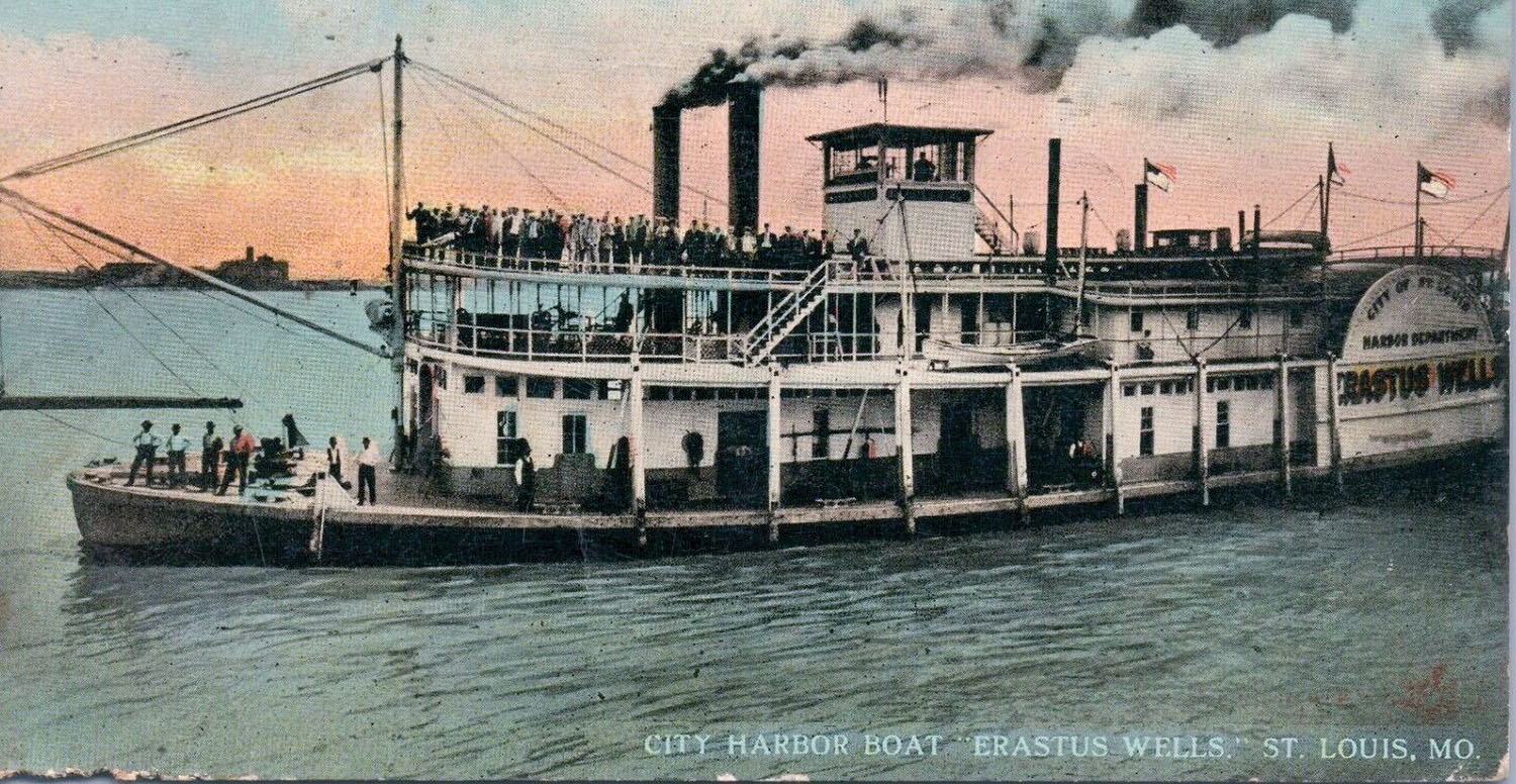 A vintage postcard view of the St. Louis harbor steamboat Erastus Wells. (Keith Norrington collection)
