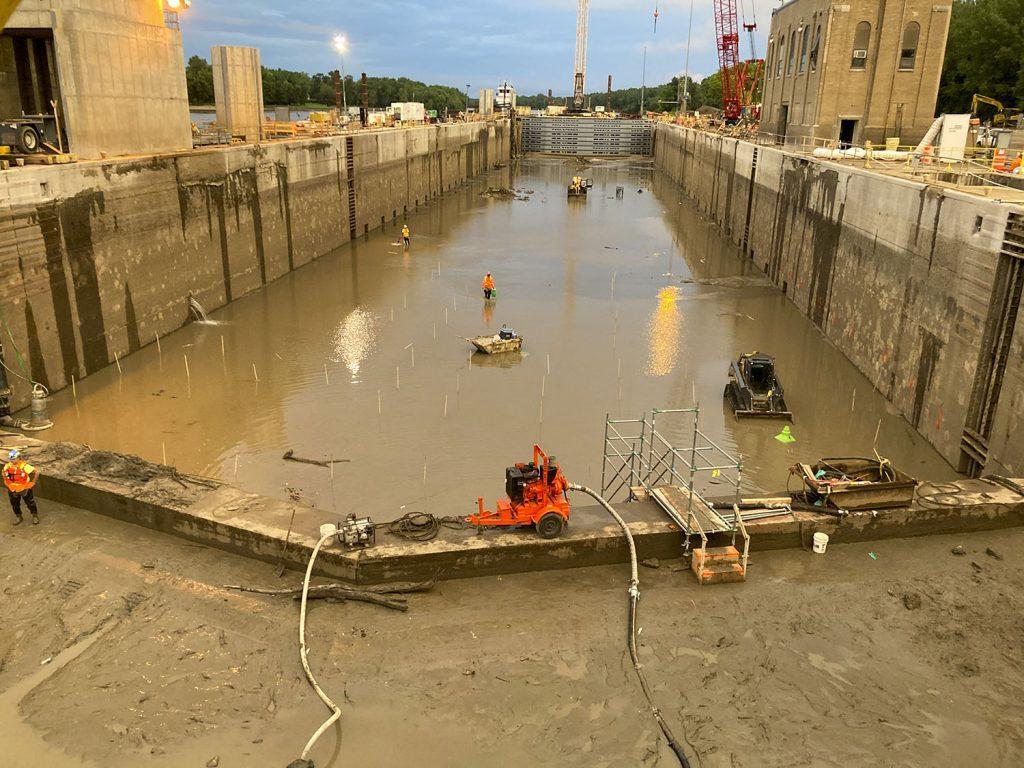 LaGrange Lock before walls were resurfaced. (Photo courtesy of Shimmick Construction Company Inc.(