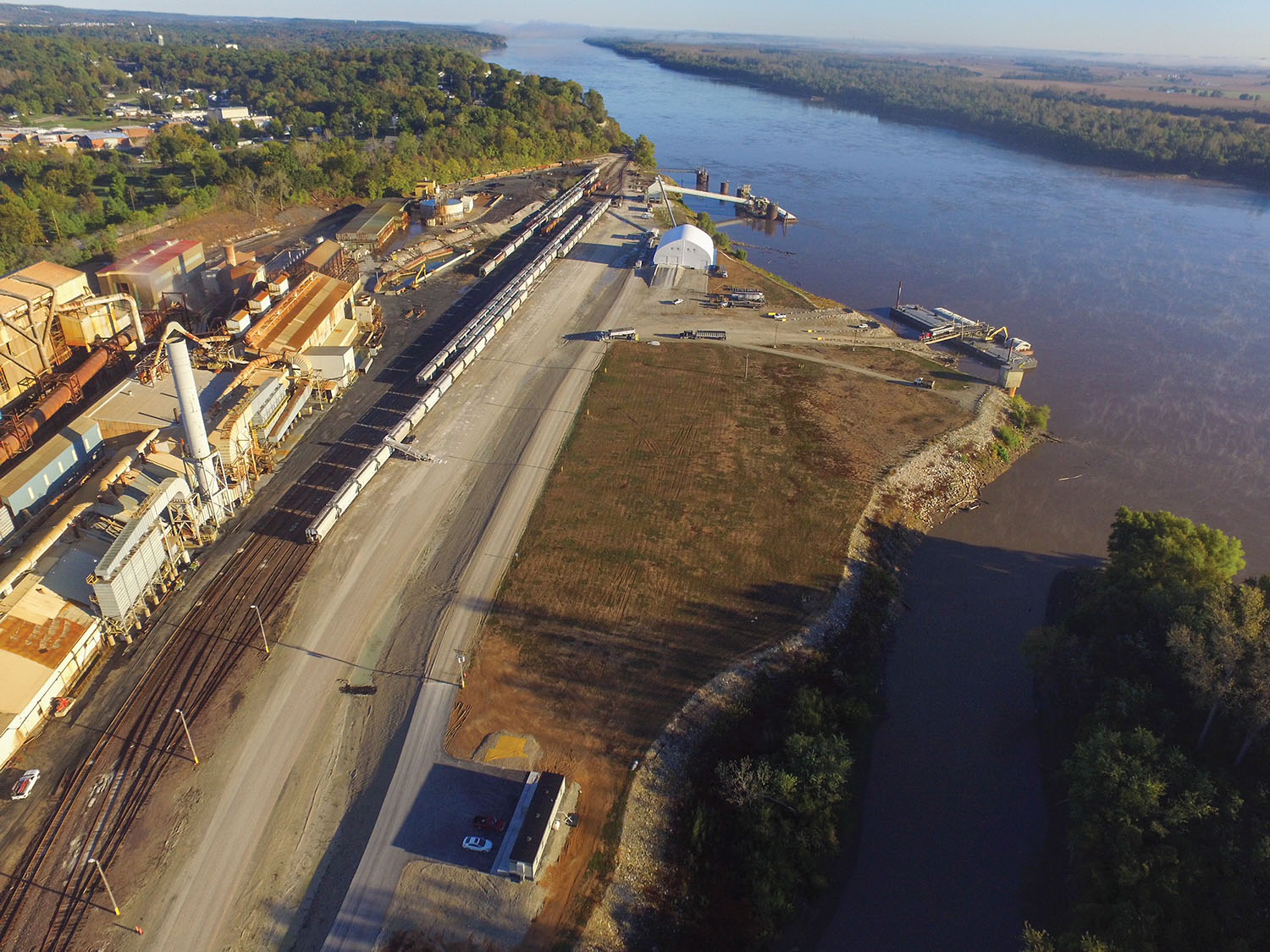 A former lead port at Herculaneum, Mo., has found new success shipping frac sand and bulk commodities. (Photo courtesy of Riverview Commerce Park Terminal)