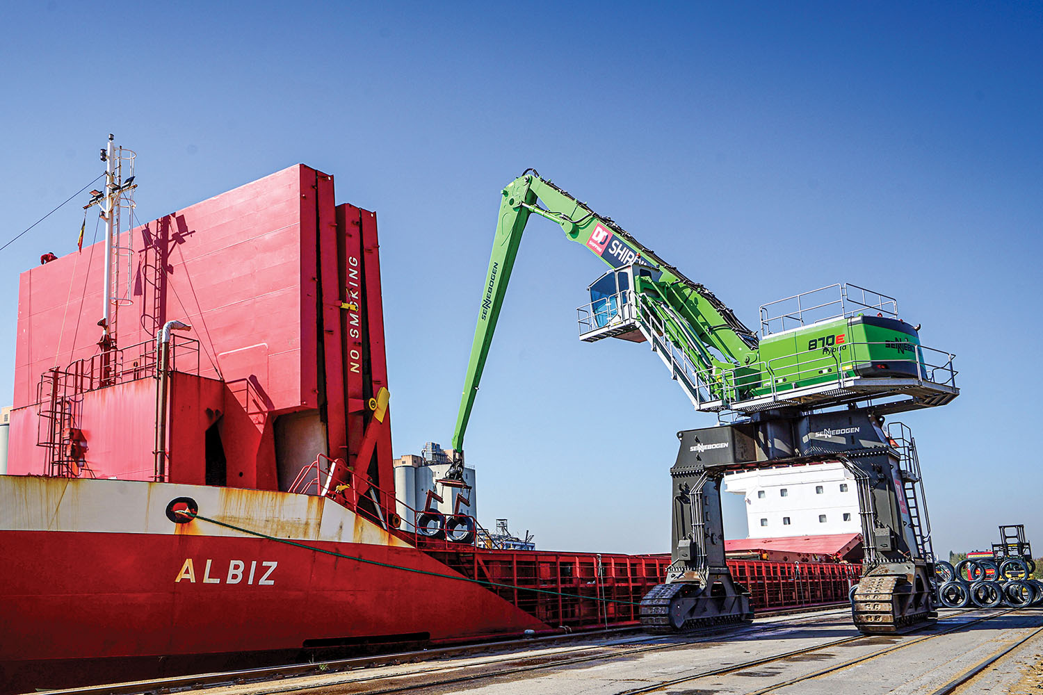 DD Shipping NV recently chose a Sennebogen 870 Hybrid E-Series material handler on a crawler crane for its newly opened second dock at its Puurs facility, between Antwerp and Brussels in Belgium.