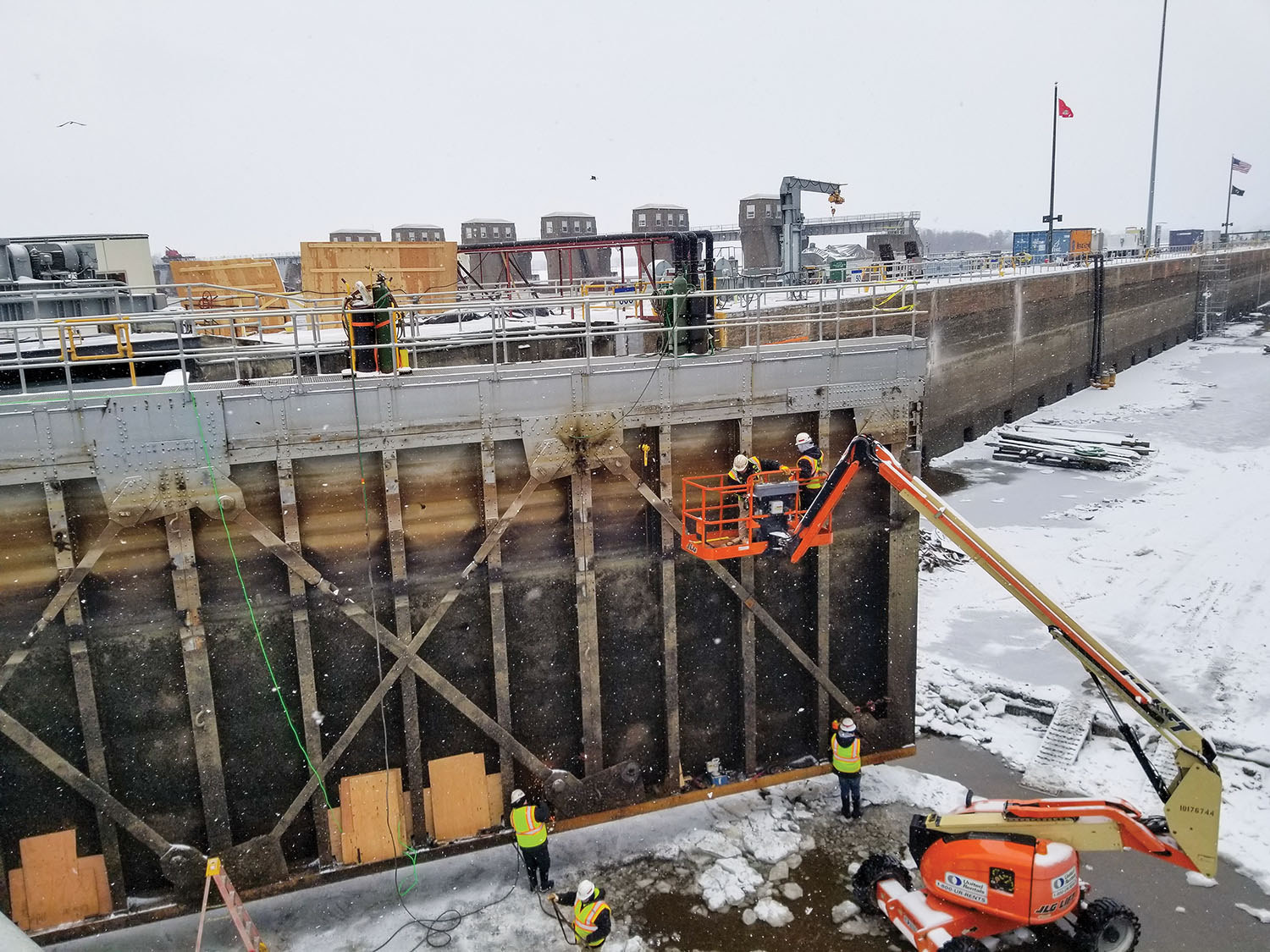 Rehab Work Proceeding At Lock And Dam 4