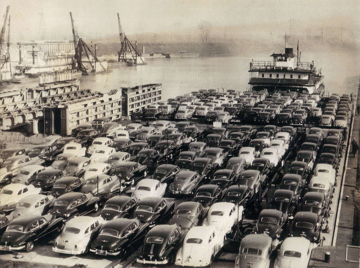 The Sohio Latonia moving a tow of autos through the lock at Louisville in 1947. (Keith Norrington collection)
