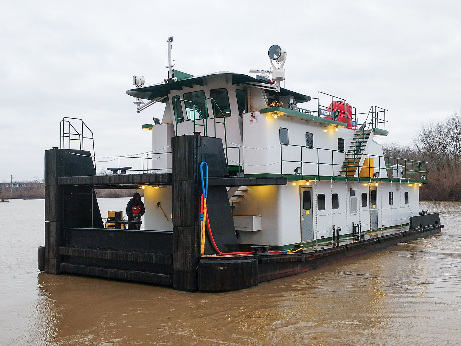 Barbour JB Builds Retractable Towboat For SITCO