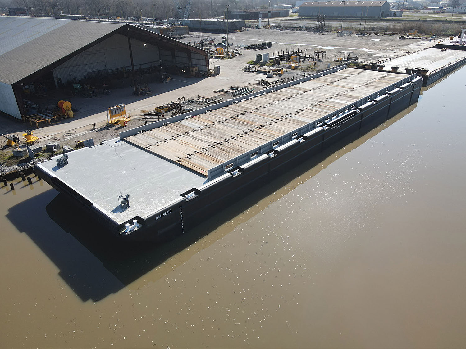 Conrad Delivers Deck Barge To Ashton Marine