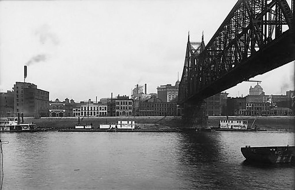 One of the stone piers for the Wabash Bridge is visible in this August 1912 photo taken by the Pittsburgh city photographer. (Photo courtesy of historicpittsburgh.org, Pittsburgh Engineer District Glass Plate Negatives and Pittsburgh City Photographer collections)
