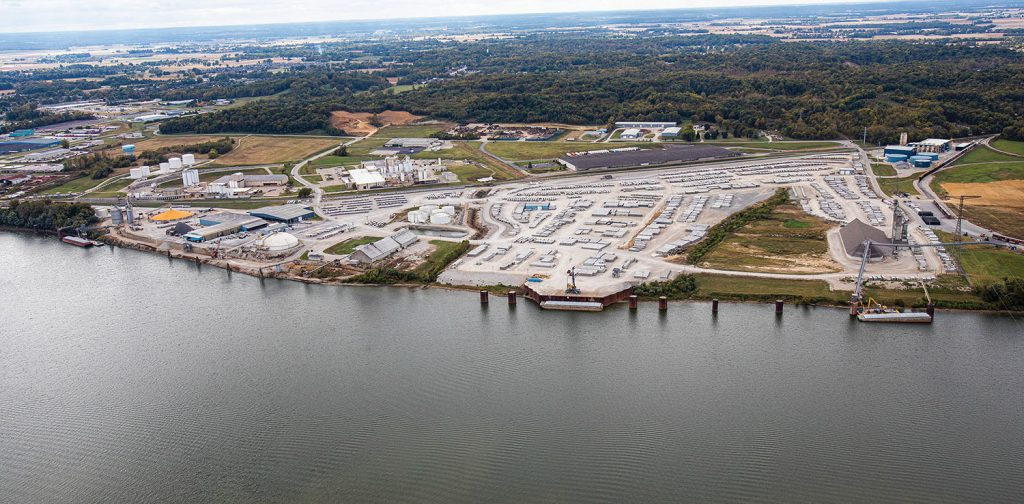 The Owensboro (Ky.) Riverport Authority recently purchased a Sennebogen 875 material handler and ordered an accompanying spud barge from Yager Marine. The riverport is expanding its total capacity of bulk and other cargoes as part of its long-term capital plan.