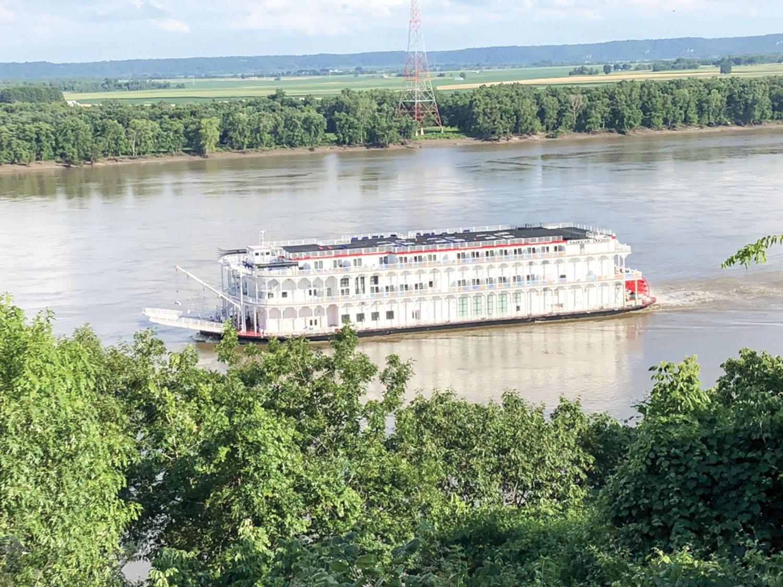 Mississippi River Port Welcomes Return Of Passenger Riverboats