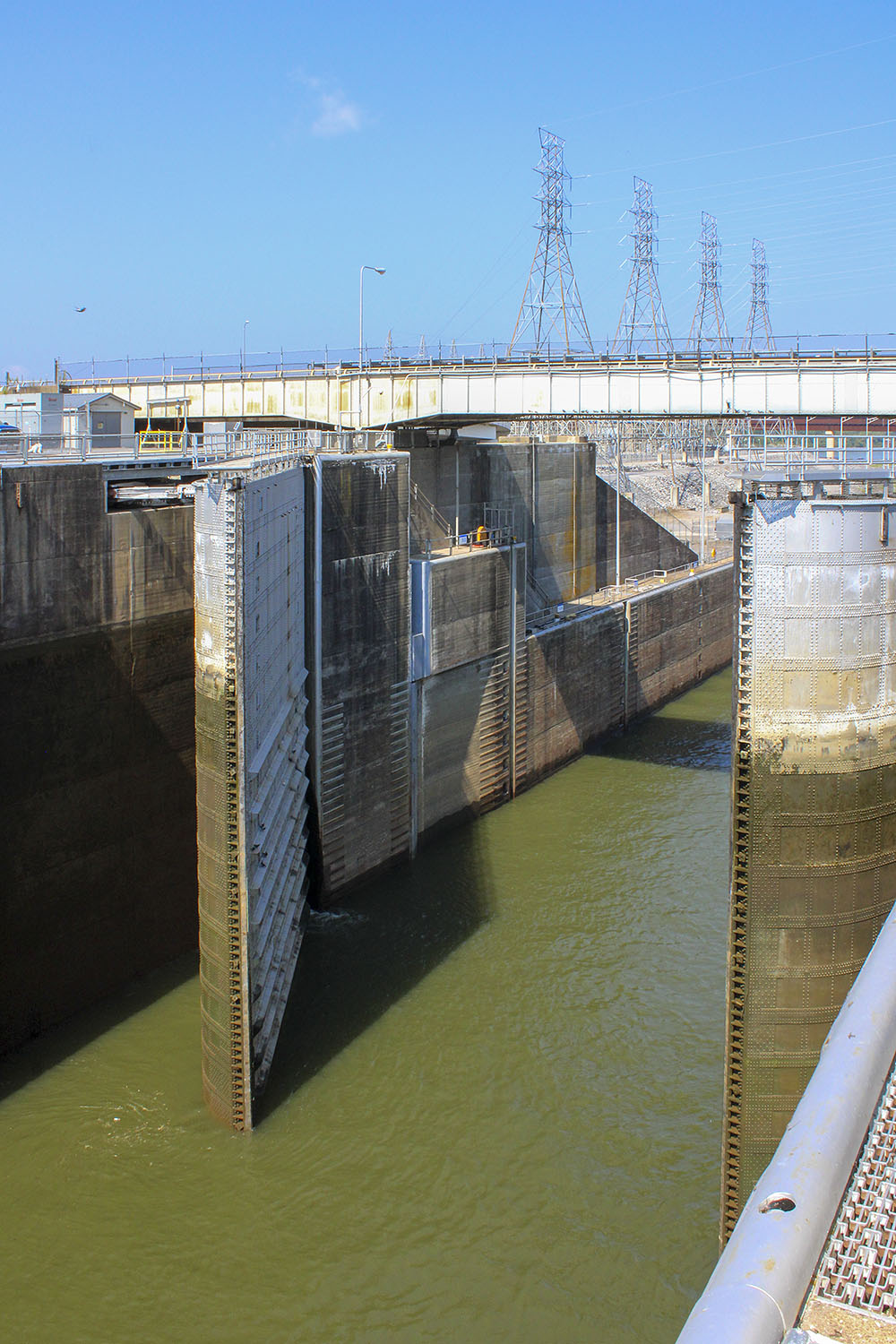 Downstream miter gates close at Kentucky Lock. (Photo by Shelley Byrne)