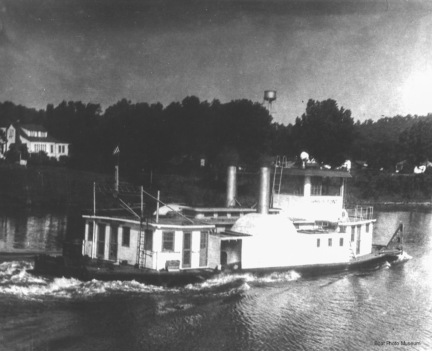 The SUNCO A-4 as a sidewheel towboat. (—Capt. Ben Gilbert photo from Dan Owen/Boat Photo Museum)