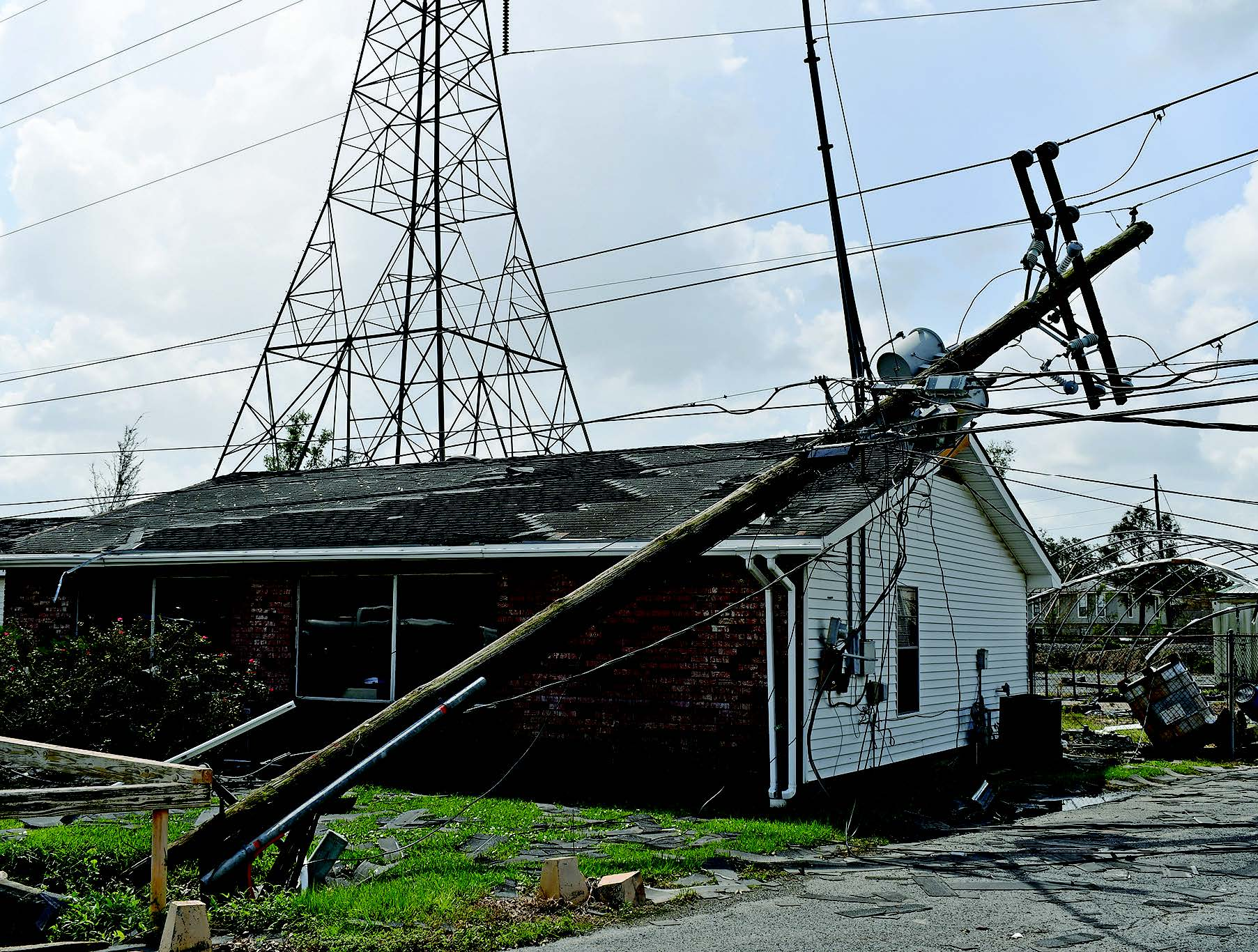 Corps Personnel Assist Restoring Power After Hurricane Ida