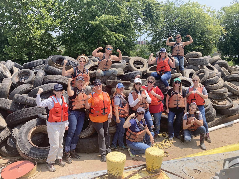WIMOs Participates In Ohio River Cleanup